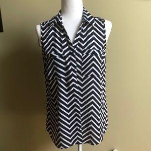 NY Collection navy & white sleeveless blouse - S